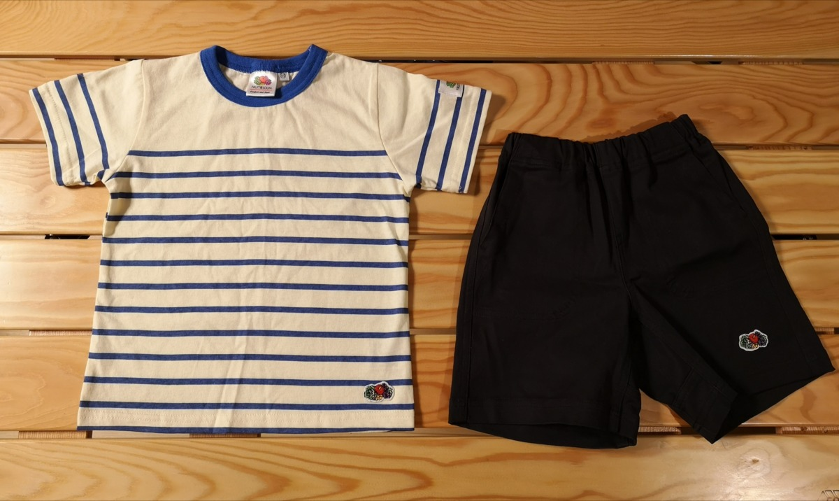 FRUIT OF THE LOOM(フルーツオブザルーム)のボーダーのキッズTシャツとショートパンツ
